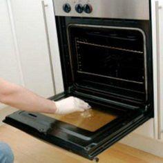 ΑΠΙΣΤΕΥΤΟ tip  Μάθε πώς θα καθαρίσεις τον φούρνο χωρίς να κουραστείς!!! Ο 93b0cba9155