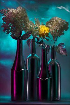 Sun under the city | light painting, light brush, long exposure, still life, bottle, wine, flower, hortensia, sunrise, glow, neon