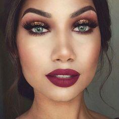 Maroon dress makeup, burgundy makeup, makeup for gold dress, cranberry make Casual Makeup, Formal Makeup, Dramatic Makeup, Makeup For Burgundy Dress, Makeup With Black Dress, Burgundy Lips, Purple Lips, Maroon Lipstick, Gold Lipstick