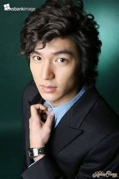 In case you didn't know this, I am a BIG FAN of Korean Drama, Movies and Fashion! These days, I am watching Boys over flowers over Hulu and cannot stop drooling over the handsome quartet (Lee Mi… Lee Min Ho Boys Over Flowers, Boys Before Flowers, Jung So Min, Asian Actors, Korean Actors, Korean Dramas, Los F4, Best Kdrama, Ji Hoo
