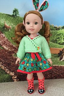 Do you know a little doll who could use some spiffy new knitted sweaters or accessories?) Grab these Free Knitting Doll Clothing Patterns and Free Knitting Doll Sweater Pattern from Red Heart Ya. Knitted Doll Patterns, Crochet Beanie Pattern, Sweater Knitting Patterns, Knitted Dolls, Doll Clothes Patterns, Free Knitting, Clothing Patterns, Baby Knitting, Knitting Sweaters