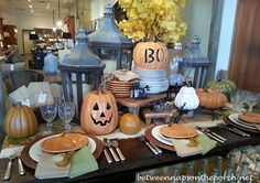 Halloween на Sees-All-Colors. Оформление стола к празднику. Идеи Between Naps on the Porch