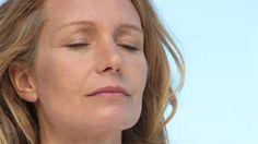 Brist på D-vitamin och järn är två orsaker till varför vi kan bli trötta.