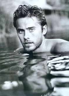 "Men look better when wet. Exhibit A – Jared Leto! Jared Leto: ""My mother is very, very smart and commands respect because she has a lot of respect for herself. American Psycho, American Actors, Pretty People, Beautiful People, Mr Nobody, Dallas Buyers Club, Raining Men, Gene Kelly, Colin Firth"