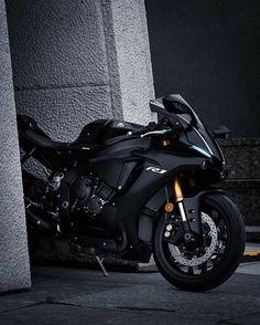 Yamaha Motorbikes, Ducati Motorcycles, Motorcycle Couple, Motorcycle Bike, Futuristic Motorcycle, Futuristic Cars, Biker Photography, Kawasaki Bikes, Bike Pic