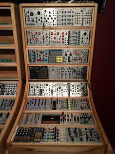 MATRIXSYNTH: SynthCity Chicago Eurorack System