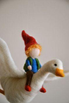 Los niños móvil Waldorf inspirado en fieltro de la por MagicWool