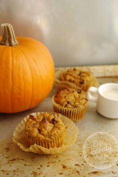 This healthy low-gluten pumpkin muffin recipe is a great way to reduce your consumption of durum wheat on Wheatless Wednesday! The pumpkin keeps them moist!
