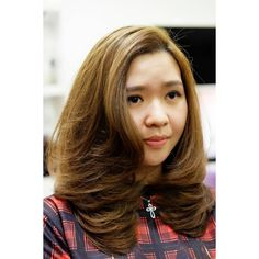 """Medium-Layer with texturixing for pretty loyal customer & Flexible-fringe to look volume with Helen's signature cut."""" 🙆 ⚬ ⚬ ⚬ ⚬ Be yourself to be different!💇 Simple? Elegant? Natural? Boy-ish? Messy-look? Whatever it is, be more stylish according to your original character, with Helen's signature cut! 💃 See the difference! Rock the difference! ⚬ ⚬ #MediumLayer #FullLayer #FlexibleFringe"""