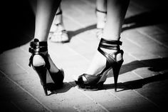 The latest way to chart economic trends via women's fashion is farther south: heel height. Tango Shoes, Ballet Shoes, Glamour Photo Shoot, Economic Trends, Stiletto Heels, High Heels, Black And White Colour, Types Of Shoes, Character Shoes