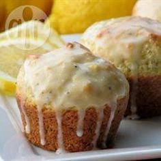 Lemon Poppy Seed Muffins I Muffin Recipes, My Recipes, Baking Recipes, Favorite Recipes, Baking Ideas, Recipies, Cake Receipe, Lemon Poppyseed Muffins, Food Crush