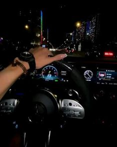 Girls Driving, Night Driving, Mercedes Car, Mercedes Benz Amg, Driving Pictures, Carros Bmw, Luxury Couple, Bmw Girl, Lux Cars