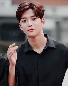 Animated gif uploaded by IN WORLD K-POP. Find images and videos about gif, and rowoon on We Heart It - the app to get lost in what you love. K Pop, Pop Bands, Gif Kpop, Neoz School, Jung Hyun, Sf 9, Poses For Men, Cha Eun Woo, Kdrama Actors