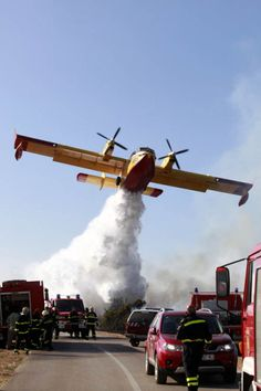 Water drop please. Firefighter Paramedic, Wildland Firefighter, Fighting Plane, Bomber Plane, Float Plane, Fire Equipment, Flying Boat, Fire Apparatus, Emergency Vehicles