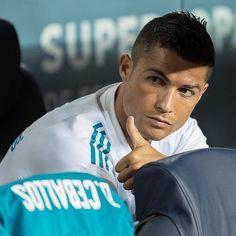 Cristiano Ronaldo Haircut, Cristiano Ronaldo Juventus, Cristano Ronaldo, Ronaldo Football, World Best Football Player, Football Players, Cr7 Jr, Real Madrid Kit, Soccer Stars