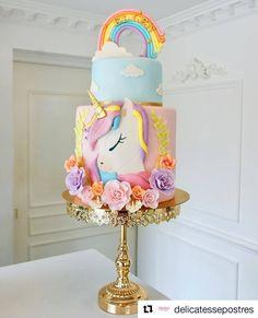 Lindeza de Bolo 🦄💜🦄 feito pela talentosa @delicatessepostres #Repost ・・・ #confeitariaartistica #birthdaycake #patisserie #cumpleaños #cake #bolodecoradorados #confeitariaartistica #cakedesign #unicorncake #ibelieveinunicorns #unicorn #unicornlove #pastelunicornio Baby Birthday Cakes, Unicorn Birthday Parties, Birthday Party Decorations, Beautiful Cakes, Amazing Cakes, Baby Girl Cakes, Disney Cakes, Novelty Cakes, Cake Creations