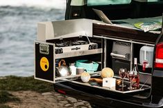 G-Box turns the Mercedes G-Wagen into a self-contained off-road camper Kangoo Camper, Suv Camper, Kombi Motorhome, Mini Camper, Off Road Camper, Camper Van, Mini Motorhome, Toyota Previa, Vw T5