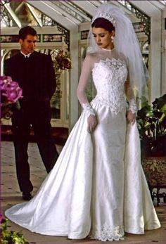 maybe 1980 not sure Beautiful Wedding Gowns, Beautiful Bride, Beautiful Dresses, Chic Vintage Brides, Vintage Bridal, Vintage Veils, Bridal Wedding Dresses, Wedding Attire, Muslimah Wedding Dress