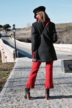 Muy buenas tardes! http://www.diseneitorforever.es/militar-volantes-marinero-navy/ #look   #lookoftheday   #outfit   #outfitoftheday   #style   #styleblogger