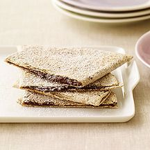 Tame that roaring sweet tooth in under 10 minutes with these Chocolate Cinnamon Quesadillas #recipe #WWLoves