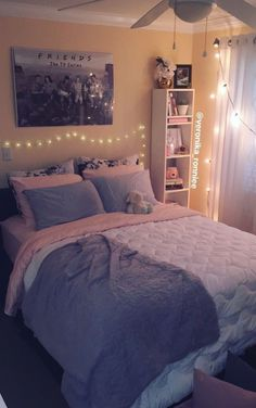 Bedroom decor/gray and pink decor/ white and gray bedroom/ peach bedroom/ Paris inspired/ diy idea… Cute Bedroom Ideas, Girl Bedroom Designs, Room Ideas Bedroom, Small Room Bedroom, Trendy Bedroom, Small Rooms, Bedroom Decor, Bedroom Lighting, Bedroom Simple