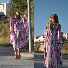 Me encanta el corte y los prints de este vestido largo! Yo lo he combinado con cuñas color rosa palo y un clutch casual blanco. Os gusta? #look #instalook #outfit #girl #blog #ropa #tienda #comprar #vestido #largo #fashion #moda