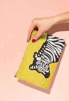 Handmade+Zebra+Beaded+Purse Beaded Purses, Crochet Motif, Fashion Handbags, Sustainable Fashion, Punch, Envelope, Dairy, Pattern, Handmade