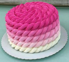 The Effective Pictures We Offer You About amazing Cake Design A quality picture can tell you many things. You can find the most beautiful pictures that can be presented to you about Cake Design recett Fondant Cupcakes, Cupcake Frosting Recipes, Wedding Cakes With Cupcakes, Fun Cupcakes, Cupcake Cakes, Cupcakes Decorating, Cupcakes Design, Decorating Ideas, Butter Icing Cake Designs