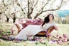 Trendy Wedding, blog idées et inspirations mariage ♥ French Wedding Blog: {Jessica Vitaliy} A Blushing Romance • Mariage de printemps