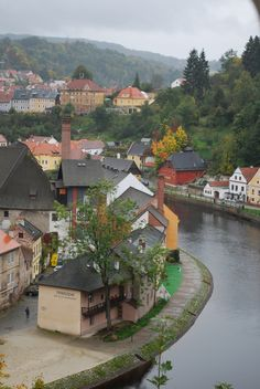 Český Krumlov, Czech Republic Dave says the Czech Republic is super romantic. This is a must for me to see. Honeymoon maybe? Places Around The World, Oh The Places You'll Go, Travel Around The World, Places To Travel, Places To Visit, Around The Worlds, Wonderful Places, Great Places, Beautiful Places