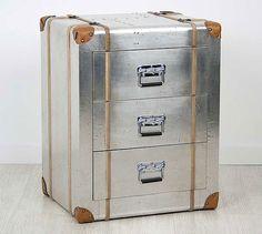 Mesita de Noche baul Vintage Fejer   Material: Aluminio   ... Eur:327 / $434.91