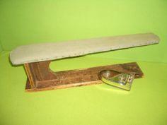 altes Bügeleisen Plätteisen + kl. Bügelbrett aus Holz / Antik / Deko   eBay
