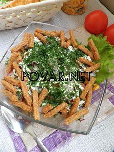 Овощной салат с печенью и сухариками «Весенний»