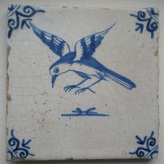 Antieke tegel met vogel,   (Bijzondere voorstelling)