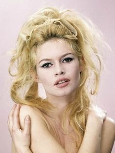 Brigitte Bardot Sexy Makeup Look | Makeup and beauty Trends for 2014 Spring/Summer and Fall/Winter. Make up ideas and colors #hair bows