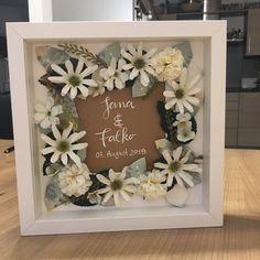 Wedding Frames, Diy Wedding, Wedding Gifts, Diy Mothers Day Gifts, Diy Gifts, Frame Crafts, Hallway Decorating, Diy Desk, Plexus Products