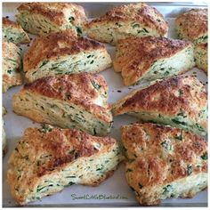 Today I am sharing my sister's Spinach Feta Scones from her kitchen in Anchorage, Alaska - Rich, tender, flaky goodness. Cheese Scones, Savory Scones, Savoury Baking, Muffins, Spinach And Feta, Spinach Recipes, Greek Recipes, Galette, Breakfast Recipes