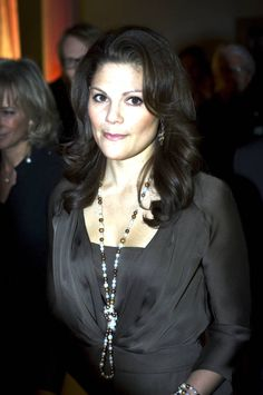 Princess Victoria of Sweden wearing  black & white pearls necklace #Charismatic #Fashionista