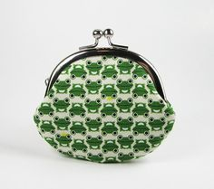 Clasp Change Purse Green Frogs Coin Purse Earbud by fieldofroses, $15.00