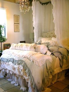 Guest Room i n e n s My Home to be Pinterest Shabby Sage