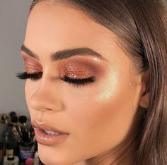Makeup application, eye shadow, highlighter on fleek, foundation routine, flawle… - Eyeliner Flawless Makeup, Gorgeous Makeup, Pretty Makeup, Love Makeup, Skin Makeup, Makeup Inspo, Makeup Art, Makeup Inspiration, Glowy Skin