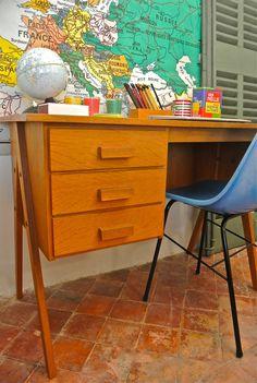 """Vintage Slavia vintage,  bureau de style moderniste des  années 50 slovène en bois modèle """"Architekt"""" e-shop: www.slavia-vintage.com #meuble-vintage #vintage"""