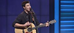 Shawn Mendes Sings with Fans Outside After 'LIVE! Kelly & Michael' Performance