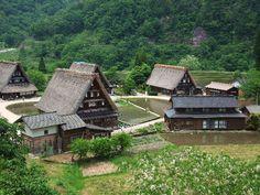 五箇山。世界遺産。富山県。岐阜県の白川郷と隣接。