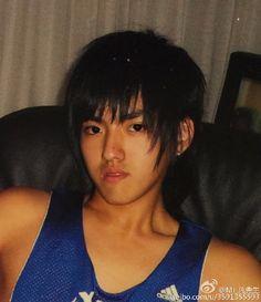 Kris Wu at 15 years old.His hair is cute! Exo Kokobop, Kpop Exo, Park Chanyeol, Kris Wu, Kyungsoo, Wattpad, Miyavi, Exo Album, Wu Yi Fan
