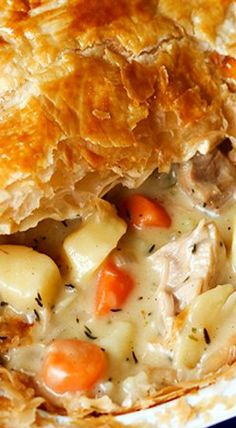 Creamy Chicken and Vegetable Puff Pie … FULL RECIPE HERE Chicken Pie Recipe chicken pie recipe chicken pie recipe easy chicken pot pie rec. Creamy Chicken Pie, Chicken Puffs, Chicken Pop Pie, Chicken Pot Pie Recipe Puff Pastry, Chicken Pasties, Quorn Chicken, Cream Chicken, Puff Pastry Recipes, Chicken Gravy