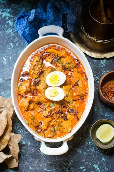 Mix and Stir: Dum Ka Murgh / Lagan Ka Murgh / Chicken slow cooked in Hyderabadi Style