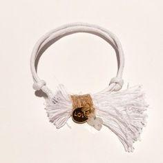 Μαρτυρικά Βάπτισης 50τμχ Βραχιόλι Άσπρο Λευκή Φουντίτσα Χρυσό Αξεσουάρ Άσπρο Σταυρουδάκι Earrings, Jewelry, Fashion, Bangle Bracelets, Ear Rings, Moda, Stud Earrings, Jewlery, Jewerly