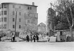 Spain - 1937. - GC - Gernika - Entorno de la plaza de Saraspe en la calle Asilo Calzada - 26abril1937.