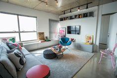 Sala com laje de concreto aparente - projeto Casa 2 Arquitetos